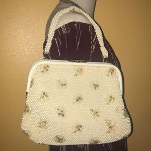 Handbags - Vintage purse beaded interior & exterior